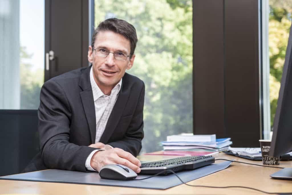 Prof. Waldburger am Institut für Business Engineering FHNW