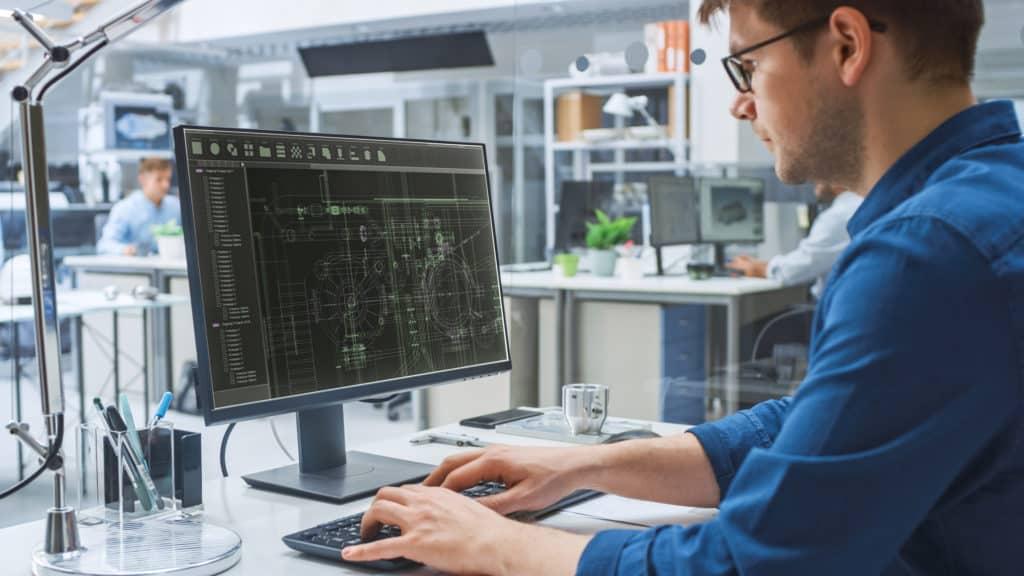 CAD Experte arbeitet an Zeichnung für die Ausführungsplanung