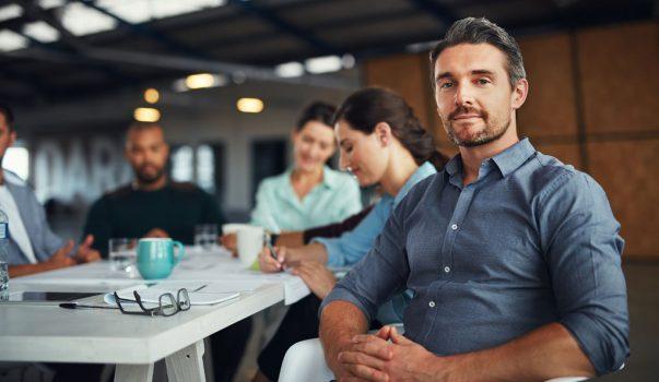 Zufriedener Anwender beim Meeting